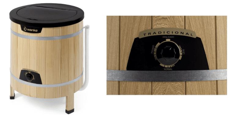Lavadora tradicional clara de madeira